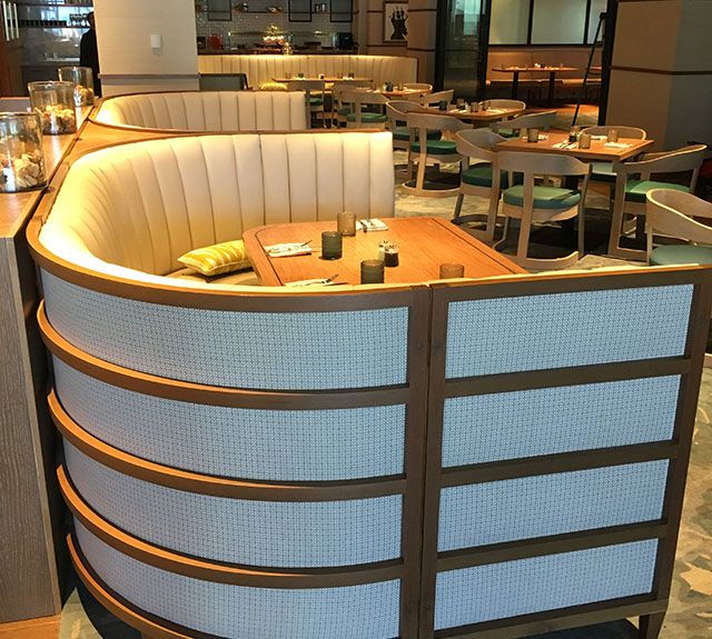 custom restaurant booths